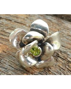 Evelyn Ring, Sterling Silver, Peridot Swarovski Crystal